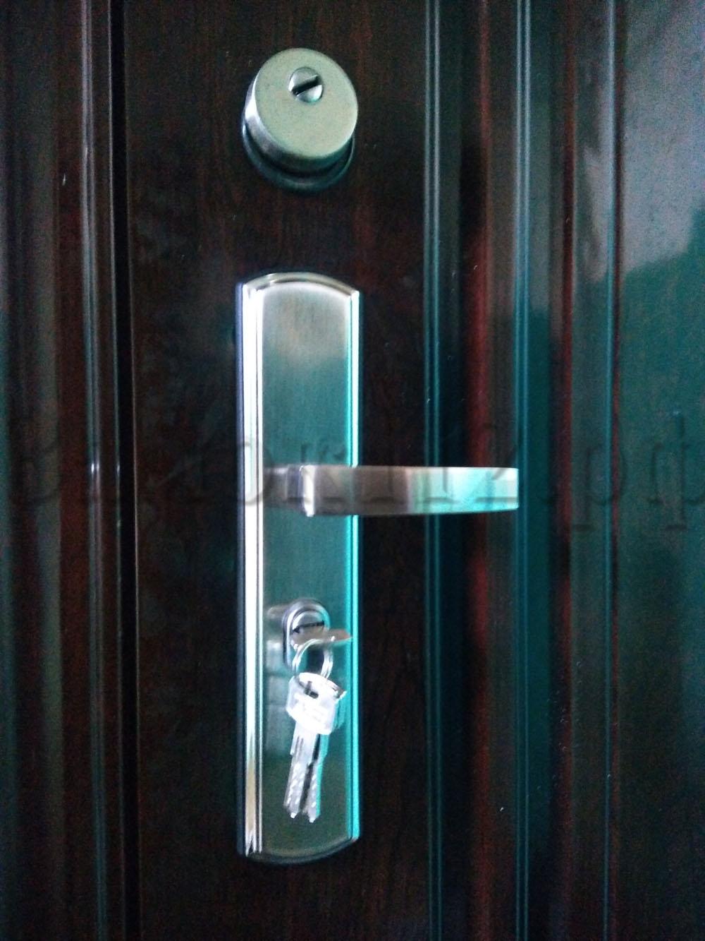 замена замка в дверях форпост