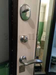 замена-замка-в-дверях-эльбор