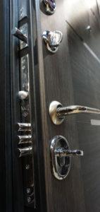 заменить замок в металлической двери белгород