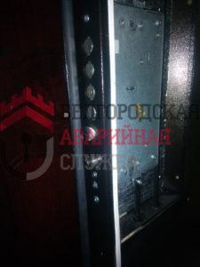 стоимость установки замка в дверь